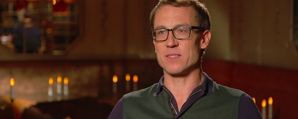 "Tobias Menzies Says Goodbye to Frank & Jack Randall on ""Outlander"""