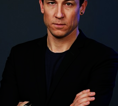 Q&A: 'Outlander' star Tobias Menzies talks trauma and time travel